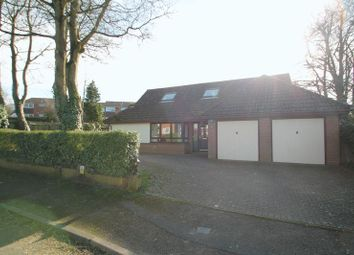 Thumbnail 5 bed detached house for sale in Oakwell Close, West Dunstable, Bedfordshire
