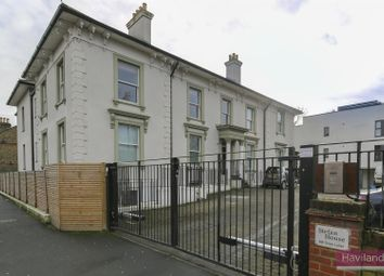 Green Lanes, London N21. 2 bed flat for sale