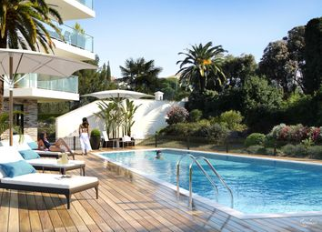 Thumbnail Block of flats for sale in Cavalaire Sur Mer, Le Lavandou, Var, Provence-Alpes-Côte D'azur, France