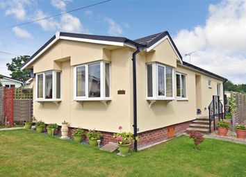 Thumbnail 2 bed mobile/park home for sale in Broadway Park, The Causeway, Petersfield, Hampshire