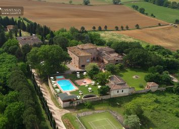 Thumbnail Hotel/guest house for sale in Siena, Toscana, It