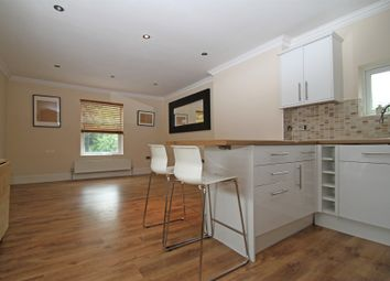 Thumbnail 2 bed flat to rent in Friern Park, North Finchley