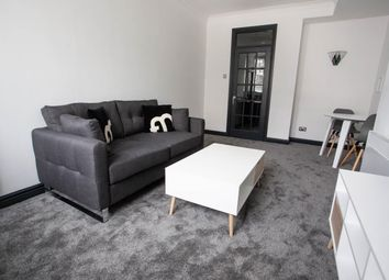 1 bed flat to rent in Burne Jones House, 11-12 Bennetts Hill B2