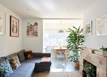 Thumbnail 1 bedroom flat for sale in De Beauvoir Court, Northchurch Road, London