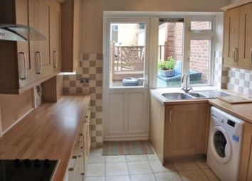 Thumbnail Room to rent in Stoneleigh Road, Ilford, Essex