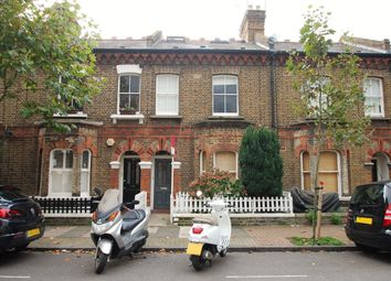Thumbnail 1 bed flat to rent in Grayshott Road, Battersea