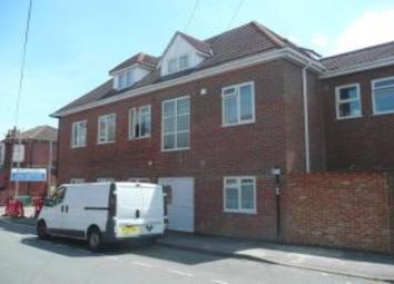Thumbnail 2 bed flat to rent in Clovelly Road, Southampton