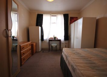Room to rent in Spring Grove Crescent, Hounslow TW3