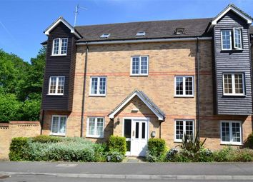 2 bed flat for sale in Lamtarra Way, Newbury, Berkshire RG14