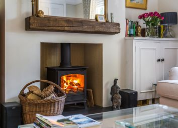 Thumbnail 2 bed cottage for sale in Trodds Lane, Guildford