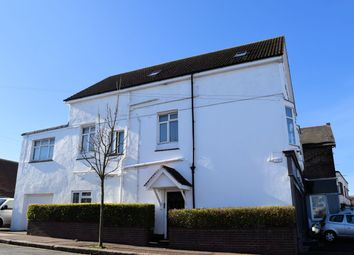 Thumbnail 2 bedroom flat to rent in London Road, Leigh-On-Sea