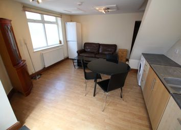 Thumbnail 1 bed flat to rent in Queens Road, Caversham, Reading