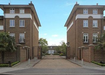Thumbnail 4 bed property to rent in Hurlingham Square, Fulham