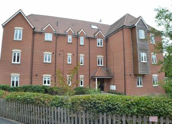 Thumbnail 2 bed flat to rent in Fallows Road, Padworth, Reading