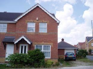 Monks Close, Dunscroft, Doncaster DN7. 3 bed semi-detached house