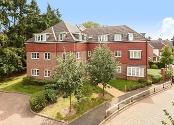 Thumbnail 2 bed flat to rent in Hedgerley Lane, Gerrards Cross