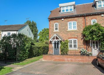 4 bed end terrace house for sale in Rythe Close, Claygate, Esher KT10