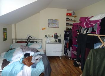 Thumbnail 5 bed property to rent in Cranleigh Road, London