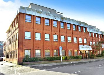 2 bed flat to rent in East Grinstead, West Sussex RH19