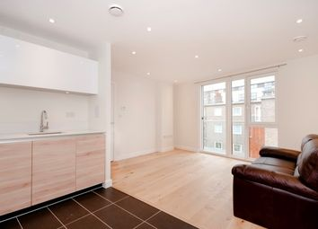 Thumbnail 1 bed flat to rent in Devises Street, London
