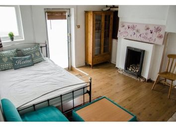 Thumbnail Studio to rent in Villiers Road, London
