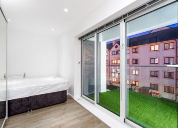 Thumbnail 4 bed flat to rent in Coutts Count, London