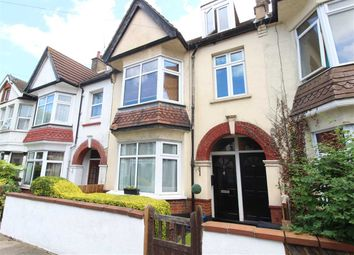 Thumbnail 1 bed flat to rent in Ronald Park Avenue, Westcliff-On-Sea