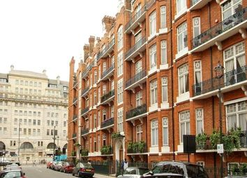 Thumbnail 1 bed flat to rent in Chiltern Street, London