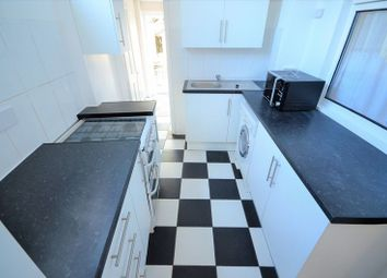 Thumbnail 2 bed flat to rent in Heyworth Road, London