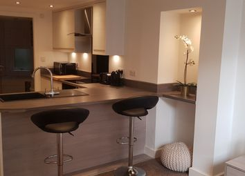 1 bed flat to rent in Sunbridge House, 80 Kirkgate, Bradford, West Yorkshire BD1