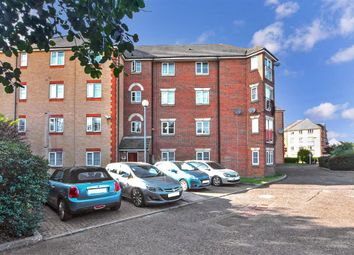 Great Galley Close, Barking, Essex IG11. 2 bed flat