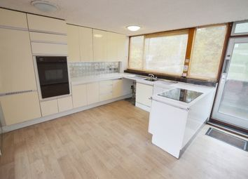 3 bed flat to rent in Gleadless Road, Sheffield S2