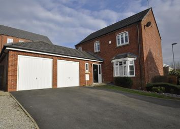 Thumbnail 4 bedroom detached house for sale in The Links, Hyde