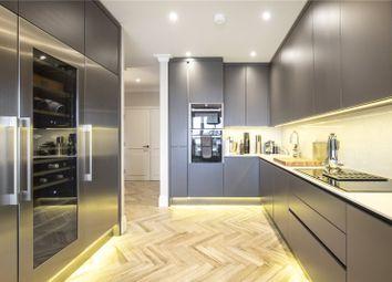 Melliss Avenue, Kew, Richmond TW9. 3 bed flat for sale