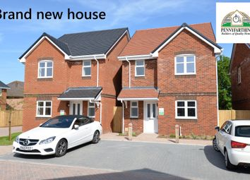 3 bed detached house for sale in Greenwood Close, New Milton, Hampshire BH25