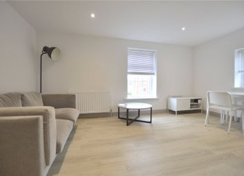 Thumbnail 1 bed flat to rent in London Court, East Street, Reading, Berkshire
