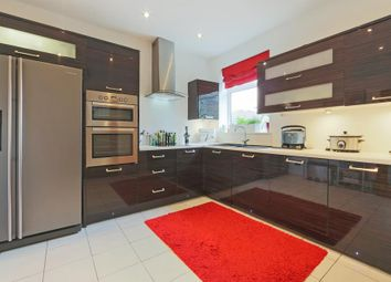Thumbnail 3 bed flat for sale in Carnarvon Road, London