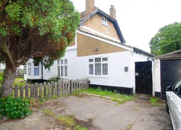 2 bed flat to rent in Nelmes Road, Hornchurch RM11