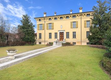 Thumbnail Villa for sale in Desenzano Del Garda, Desenzano Del Garda, Brescia, Lombardy, Italy
