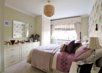 Thumbnail 2 bedroom maisonette for sale in Gresham Close, Bexley