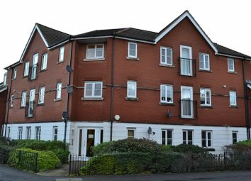 Thumbnail 2 bed flat to rent in York Road, Newbury