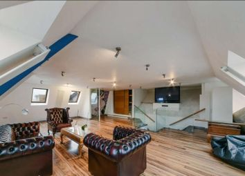 4 bed flat to rent in Regents Park Road, London N3