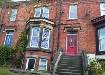3 bed flat to rent in Regent Park Terrace, Hyde Park, Leeds LS6