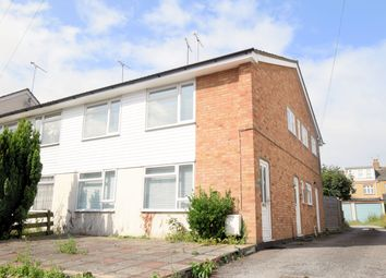 Lymington Avenue, Leigh-On-Sea SS9. 2 bed flat