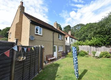 Thumbnail 3 bed detached house to rent in Sandrock Hill Road, Wrecclesham, Farnham
