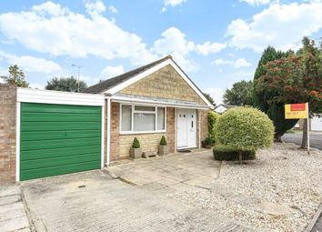 Thumbnail 2 bedroom bungalow for sale in Kidlington, Oxfordshire