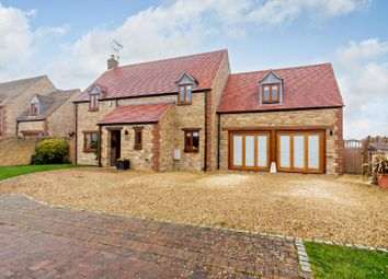 Elm Tree Close, Blackthorn, Oxfordshire OX25. 4 bed detached house for sale