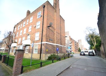 Thumbnail 2 bed flat to rent in Lynmouth Road, Stoke Newington