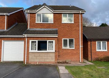 3 bed property to rent in Woodbank Drive, Catshill, Bromsgrove B61