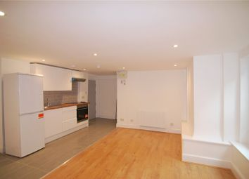 Thumbnail Studio to rent in Woodberry Grove, London